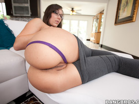 Sinn Sage, Stefania Mafra, Two Big Asses One Cup