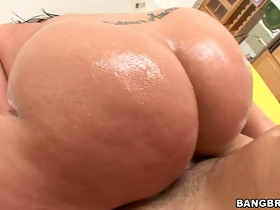 Kelly Divine's Enormous Ass!