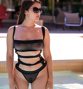 Monster Curves™ Presents Valentina Nappi in Poolside Hottie - Movies And Pictures